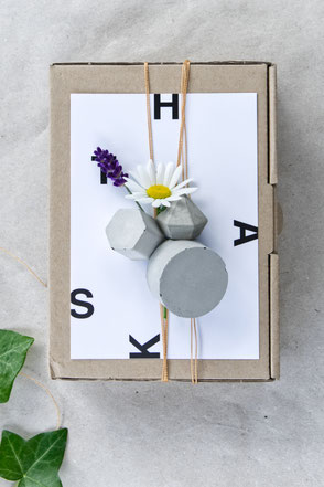 Bright Gift Wrap Mix Of Concrete Ornaments & Flowers, maybe just the right way to say thanks!