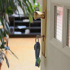 """Fereienwohnung """"Treppe trifft Dach"""""""