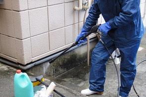 玄関周り・外壁の高圧洗浄
