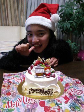 お知り合いからケーキのプレゼント!本当にありがとうございます(_ _)