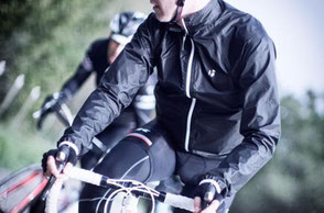 サイクリングジャケットへ
