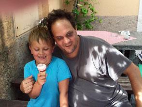 Patrik Kneubuehl mit Sohn