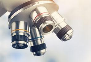 Labormedizin Mikroskop Hautarzt Dermatologie Saarland Sankt Wendel Salzmann