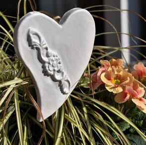 Gartenstecker Weiß Herz Keramik