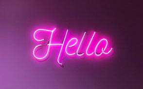 neonskylt hello