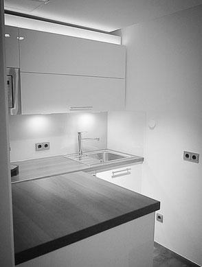 klarweiße Küche