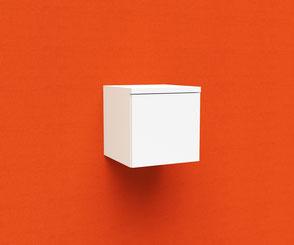 Sideboard, schwebend durch unsichtbare Innenkonstruktion an Akustikbild