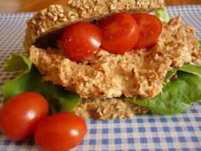 Thunfisch-Frischkäsecreme mit Tomaten