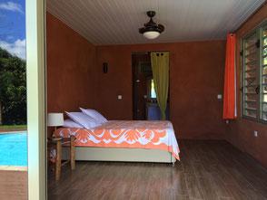 la salle de bain du bungalow Pitate