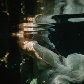 Hochzeitsfotografie Mexiko - destination wedding - underwater wedding photography
