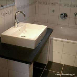 Waschtischplatte aus Schiefer im Bad