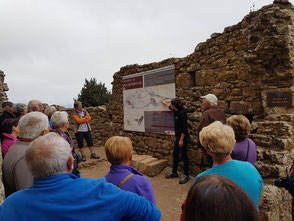 Barbacane, un petit ouvrage de fortification devant l'entrée du château