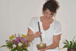 Gabi Burki-Rindlisbacher, Gesundheitsoase Aarau, Praxis für Klangschalentherapie