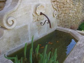 Springbrunnen aus Naturstein