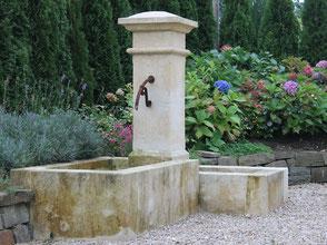 Französische Natursteinbrunnen Gartenbrunnen
