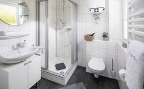 Strandloft 3 Norderney Wohnung 1 - Badezimmer