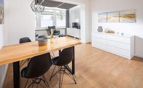 Strandloft 3 Norderney Wohnung 2 - Essbereich mit Blick in den Wohnbereich