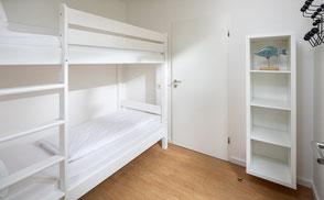 Strandloft 3 Norderney Wohnung 1 - Schlafzimmer 2 mit großem Stockbett auch für Erwachsene geeignet