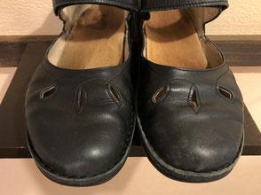 左側・靴クリーム塗りました 右側・塗る前