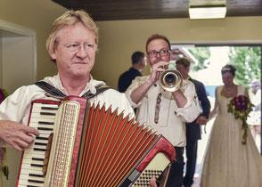 Hochzeitsband, Partyband Aystetten - Einmarsch des Brautpaares