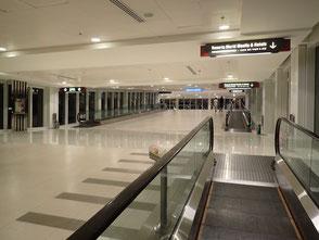マニラ空港第3ターミナル ランウェイマニラ