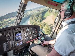 Helikopterflug Zentralschweiz, Schnupperflug, Helikopterrundflug, AS 350 B2 Ecureuil, HB-ZPF, Cockpit view, Gutschein
