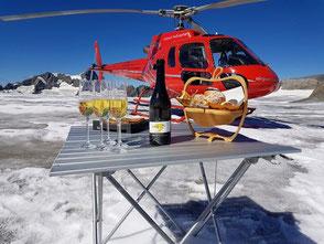 Helikopterflug Zentralschweiz, Alpenrundflug mit Gletscherlandung, Gletscherflug, Helikopterflug, AS 350 B2 Ecureuil, HB-ZPF, Hüfifirn