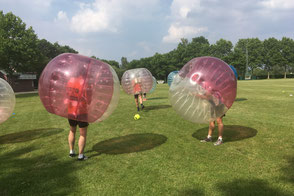 Bubble Ball Soccer, Fußball, Fußball-Aktionen, Team-Aktionen, Fußball für Firmen, teamevent.de, Teamevent, Firmenevent, Betriebsausflug, Schnurstracks, Teambuilding
