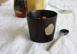 use as a yoghurt and granola cup