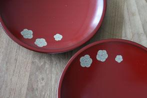 """Flat vermillion plate """"Memory"""" by Sayo Kuroki"""