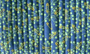 HomeMade Stoff mit parallelen Linien gequiltet