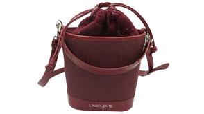 Sac seau l'Insolente Paris - Pompadour bordeaux - sacs et pochettes en lin et cuir - Maroquinerie pour femmes - sac porté épaule et main. Accessoire de mode en lin bordeaux