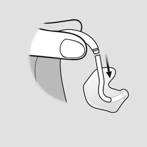 Maak het slangetje en het schaaltje los van de toonbocht. Houd de toonbocht stevig vast als u het slangetje lostrekt, om schade aan het hoortoestel te voorkomen