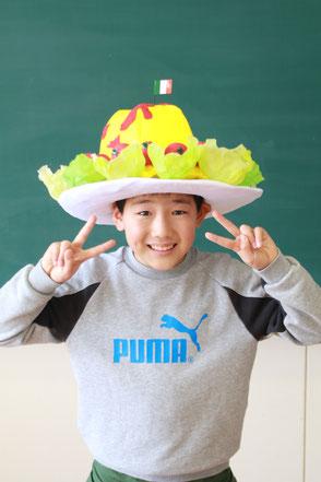 オムコレ2017帽子小学生副村長賞