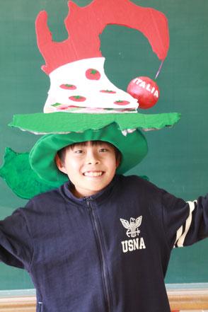 オムコレ2017帽子小学生村長賞