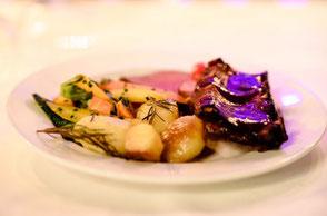 Lernen Sie, wie sehr Ihr kulinarisches Erleben von Dinnermusik profitiert