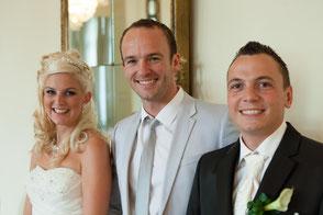 Perfekter Hochzeitstag - glückliches Brautpaar