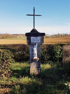 Croix dédiée à Jeanne d'Arc - Beauville