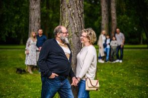 familien-fotoshooting-duesseldorf-duisburg-drei-generationen-familienfotos-familienfotograf