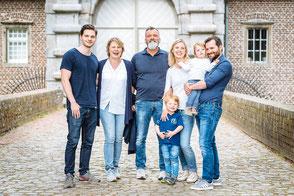 fotoshooting-duesseldorf-meerbusch-familie-lebendige_familienfotos-duisburg-spass