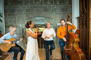 Das brasilianische Quartett Emocoa für Business Events mit lateinamerikanischer Hintergrundmusik