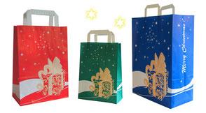 günstige Weihnachtstüten in blau rot und grün mit Papiergriff und Geschenkt als Motiv