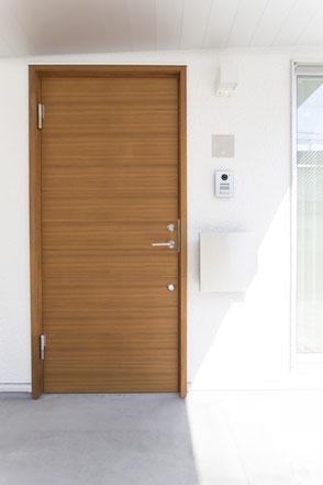 ハコイエ施工例ドアの画像