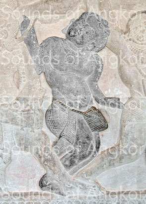 3. Tambour en gobelet avec ceinture de taille. Angkor Vat, galerie nord. Combat des Asura et des Deva. XIIe s.