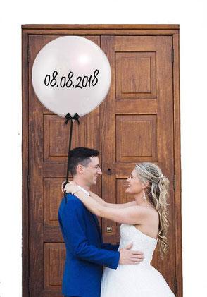 Hochzeitsdatum Datum Hochzeitstag Luftballon Ballon Bubble beschriftet Hochzeit personalisiert Brautpaar Heliumballon Helium Schleife