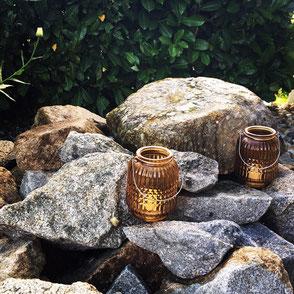 Laterne Glas Braun Windlicht Steine Strukturiert Muster Henkel