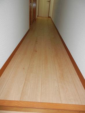 廊下:フローリング施工後の画像2