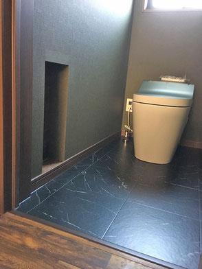 トイレ収納の画像