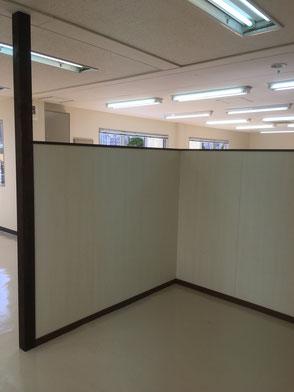 来客スペースパーテーション施工の画像2