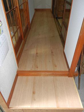 廊下:フローリング施工後の画像1